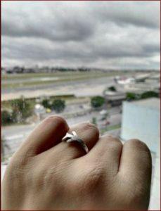 Podría decirse que se casó con los aviones