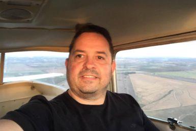 Pasó de tenerle miedo al avión a convertirse en piloto