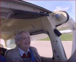 Al aterrizar, se rió a carcajadas