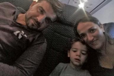 Nicolás, su esposa e hijo